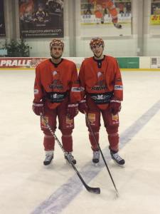 Phil Hungerecker (r.) mit seinem Mannschaftskollegen Jeff Keller.  Foto: privat